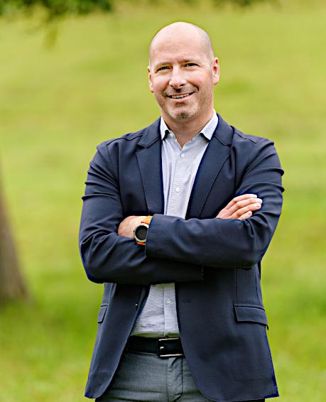 Marc T. Tümmers <br>(CEO)